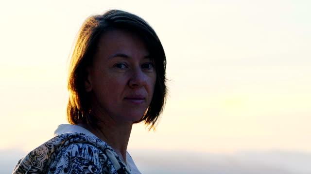 porträtt av kvinna - 35 39 år bildbanksvideor och videomaterial från bakom kulisserna
