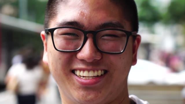 アジアの若い男の子の肖像画 - 学生生活点の映像素材/bロール