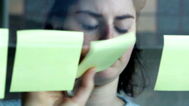 Post its window   INF video