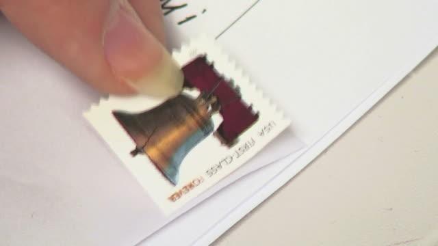 우표 1 - stamp 스톡 비디오 및 b-롤 화면