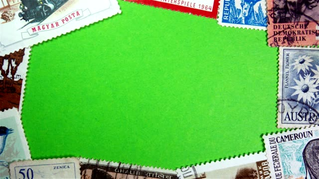 vidéos et rushes de timbres sur un écran vert - carte postale