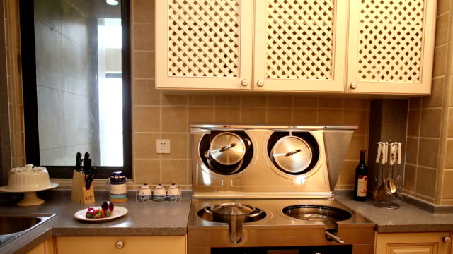 stockvideo's en b-roll-footage met postmodern kitchen interior and furnitures, real time. - marmer