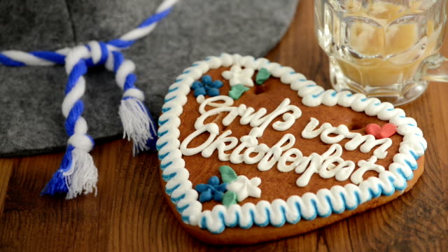 pouring beer into glass in front of Oktoberfest Gingerbread Cookie video