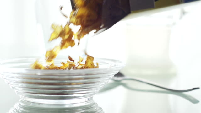 Pouring breakfast cereal    LI FO CO video