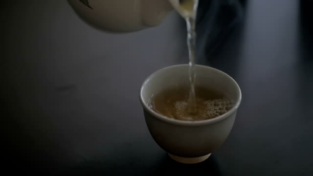 Pouring tea, Slow motion video