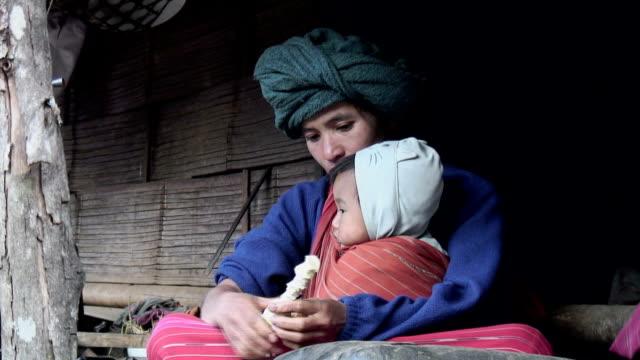 stockvideo's en b-roll-footage met poverty - oost aziatische cultuur