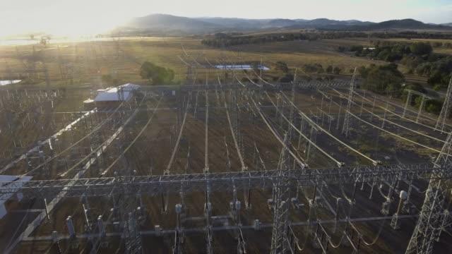 elettrica grid - sottostazione elettrica video stock e b–roll