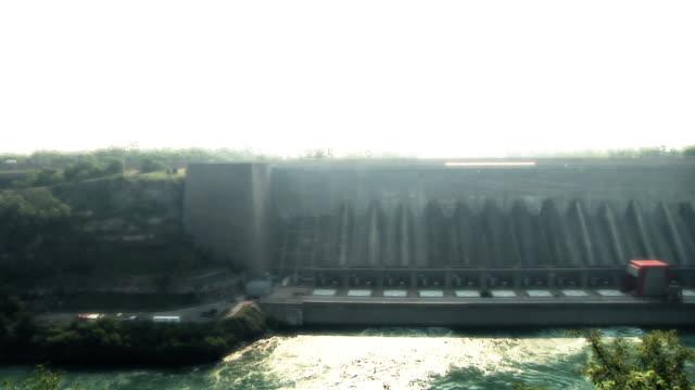 vídeos de stock, filmes e b-roll de usina elétrica dam - rio niagara