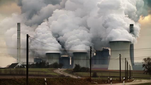 power plant pollution - avgaser bildbanksvideor och videomaterial från bakom kulisserna