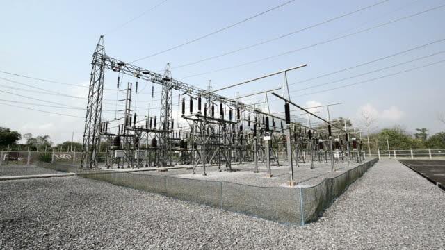 электростанция для решений электрический энергии - lightning стоковые видео и кадры b-roll