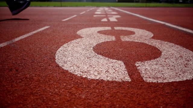 練習ランナーのトレーニング - 陸上競技点の映像素材/bロール