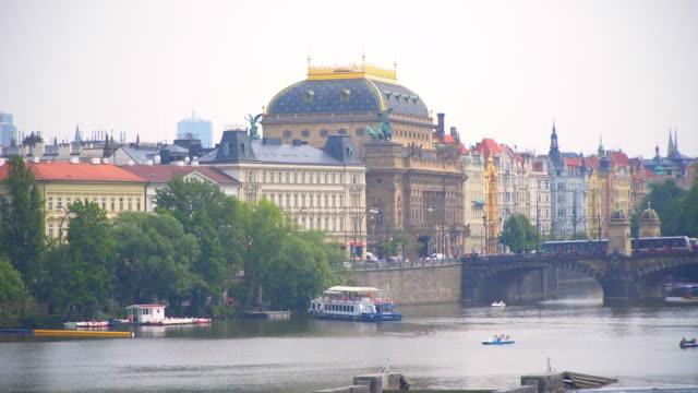 プラハ カレル橋の美しい景色 - チェコ共和国点の映像素材/bロール