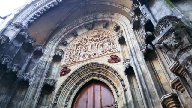 prague tyn church north portal - insygnia filmów i materiałów b-roll