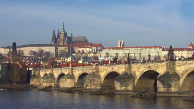 プラハとカレル橋、タイムラプス ビデオ