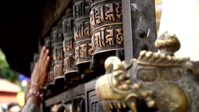 prayer drums in swayambhunath - tempio video stock e b–roll