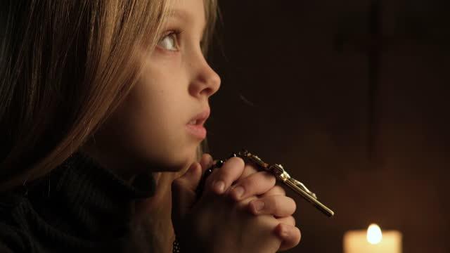 be till gud - krucifix bildbanksvideor och videomaterial från bakom kulisserna