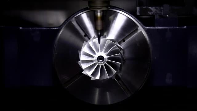 maszyna cnc frezowanie dokładne - dokładność filmów i materiałów b-roll