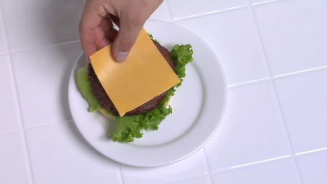 Preparing a hamburger video