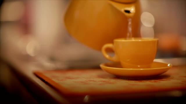Preparing delicious coffee video