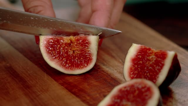 preparing fig tart with almond, pistachio and mascarpone - formaggio spalmabile video stock e b–roll