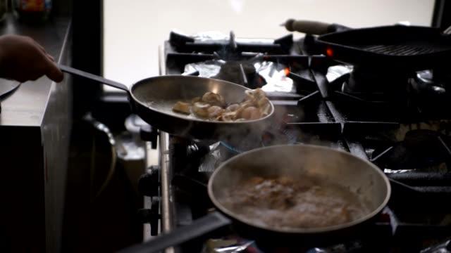 Preparando Comida - vídeo