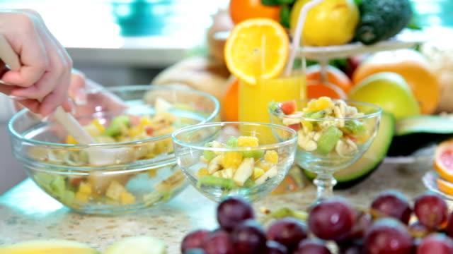preparing fruit salad video