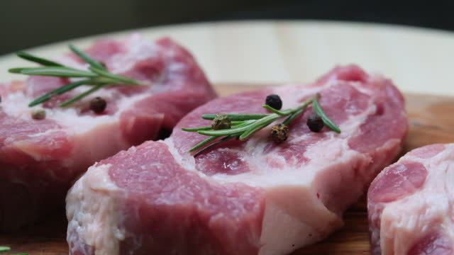 vídeos de stock e filmes b-roll de preparing ham beef lamb raw meat and spices - presunto