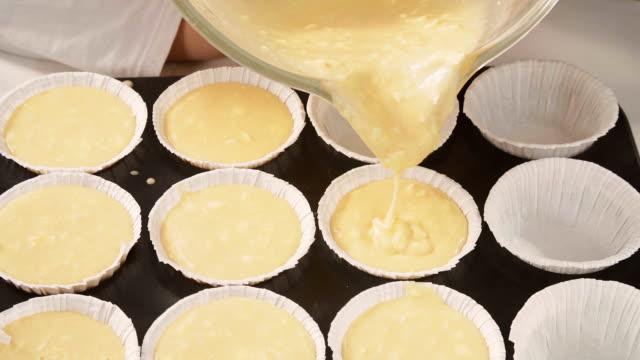 Preparação de bolos caseiros - vídeo