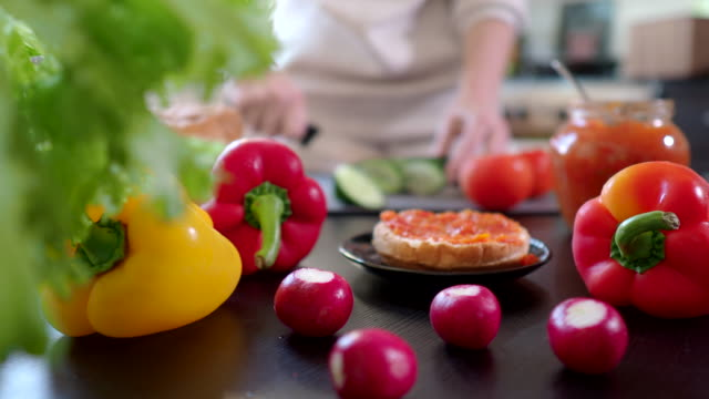 Preparing vegan sandwiches