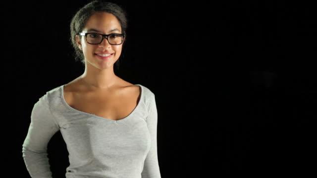 Présentation espace de copie contre noir avec des lunettes! - Vidéo