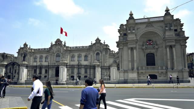 präsidentenpalast (palacio de gobierno), lima, peru - lima stock-videos und b-roll-filmmaterial