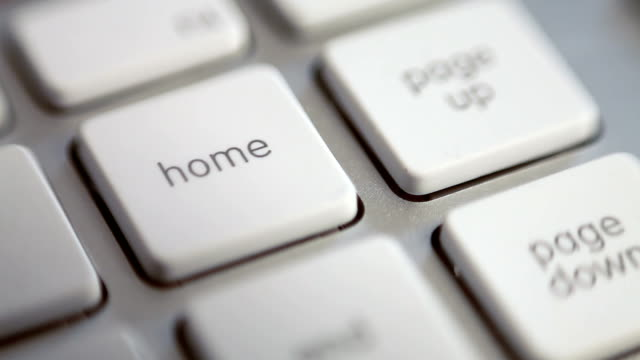 홈 누르십시오. - home 스톡 비디오 및 b-롤 화면