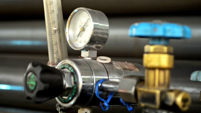 Pressure gauge video
