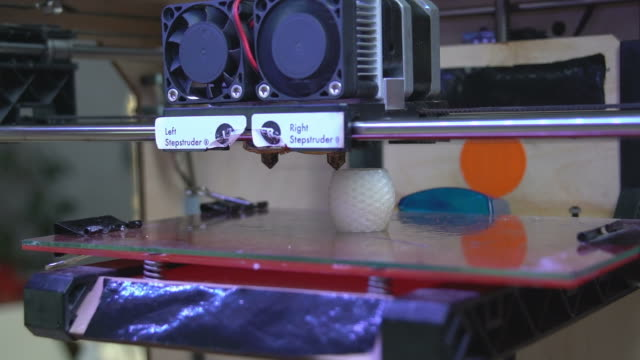 3D Printer in Action video
