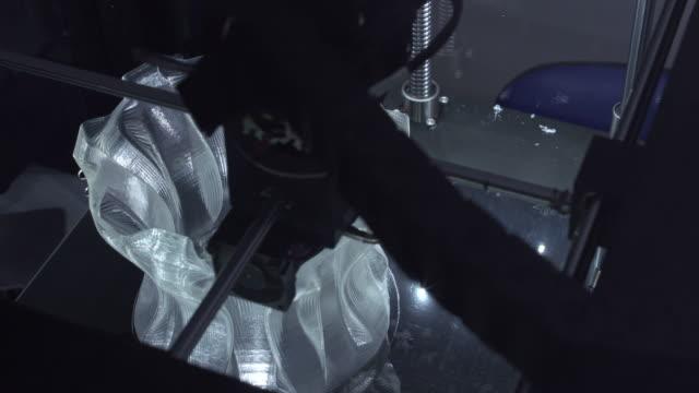 Impressora 3D impressão um vaso - vídeo
