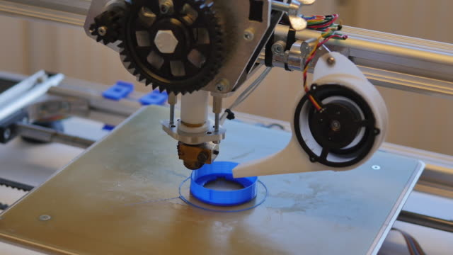 Printing design prototype with Plastic Wire Filament on 3D Printer