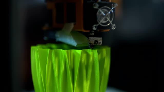 3D printing plastic element video