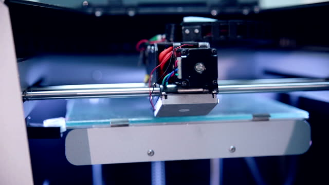 Printing with Plastic on 3D Printer video