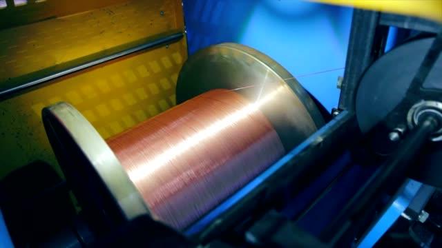 produzione di cavo di rame - cilindro video stock e b–roll