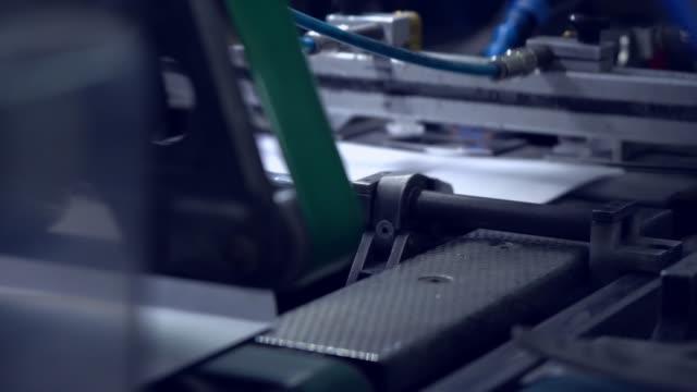 produktion av vit utskick kuvert - kuvert bildbanksvideor och videomaterial från bakom kulisserna