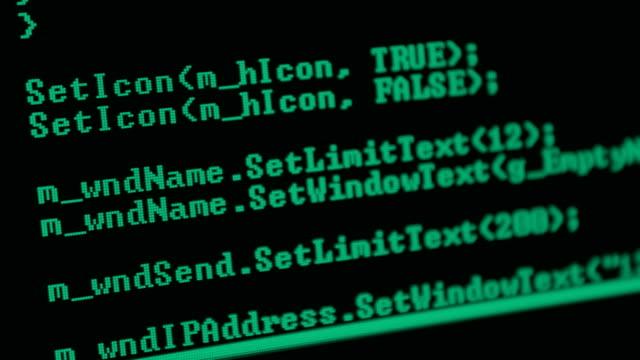 vídeos de stock e filmes b-roll de program code - bit código binário