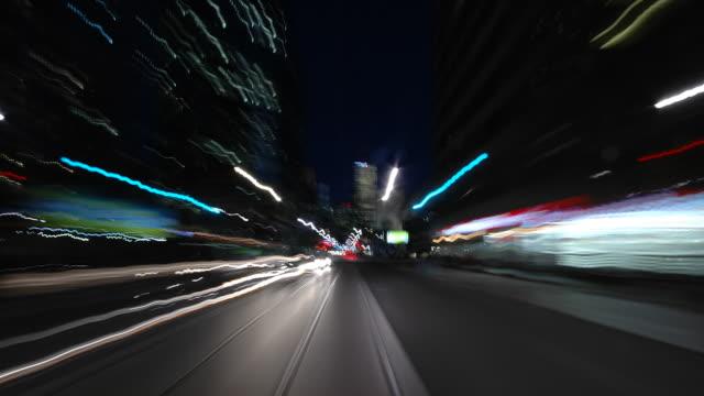 vidéos et rushes de hd progressive-rapide chase nuit - voiture nuit