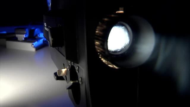 projector super 8 - diabild bildbanksvideor och videomaterial från bakom kulisserna