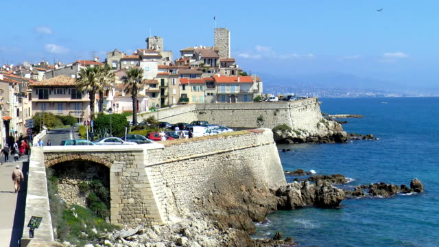 Promenade Amiral de Grasse - Antibes, France video