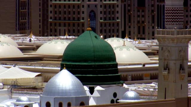 Prophet's Mosque green dome closeup video