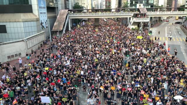 stockvideo's en b-roll-footage met protest tegen controversiële uitleverings rekening - hongkong