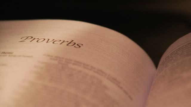 пословицы библия снимок - ветхий завет стоковые видео и кадры b-roll