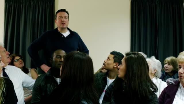 public debate - 城鎮 個影片檔及 b 捲影像