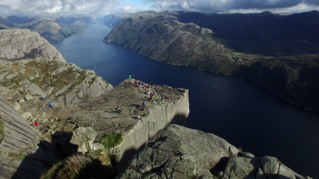 pulpito rock, norvegia - fiordo video stock e b–roll