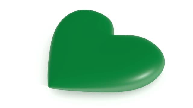 흰색 배경, 3d 렌더링, 루프에 pulsating 녹색 마음 - saudi national day 스톡 비디오 및 b-롤 화면